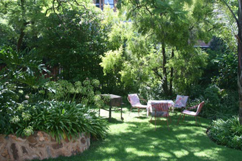 Accommodation Close to University of Pretoria (TUKS), B&B at Oorkant Loftus